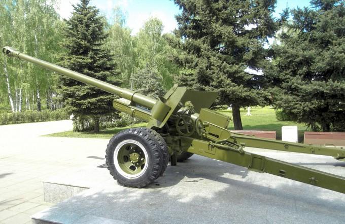 Памятник: 100-мм полевая пушка БС-3 в Королёве