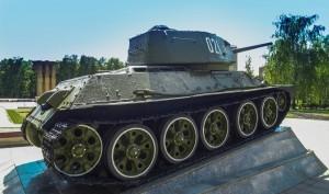 Монумент танк Т-34-85 в Королёве
